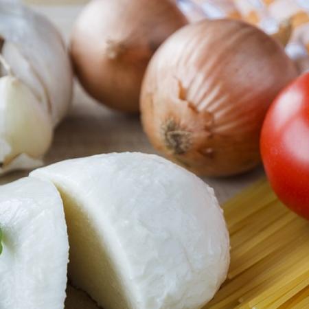 Tomaten-mozzarella pasta