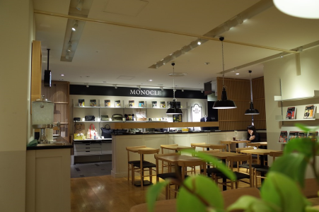 Monocle Cafe in Tokio